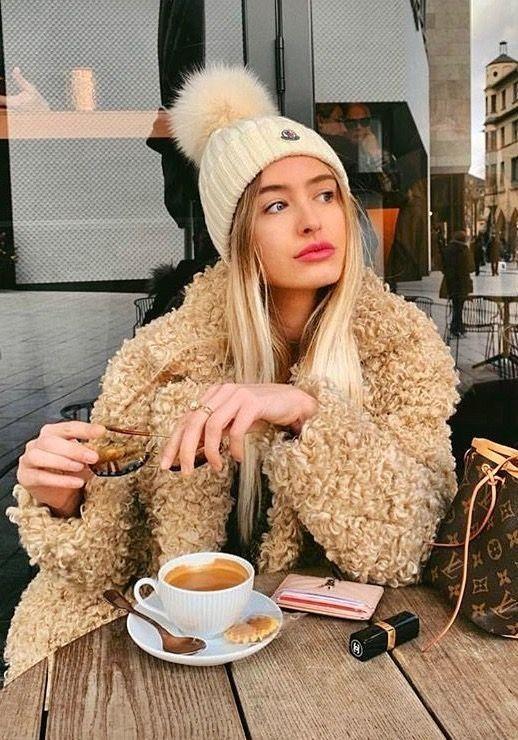 دختر قهوه زیبا کافی شاپ